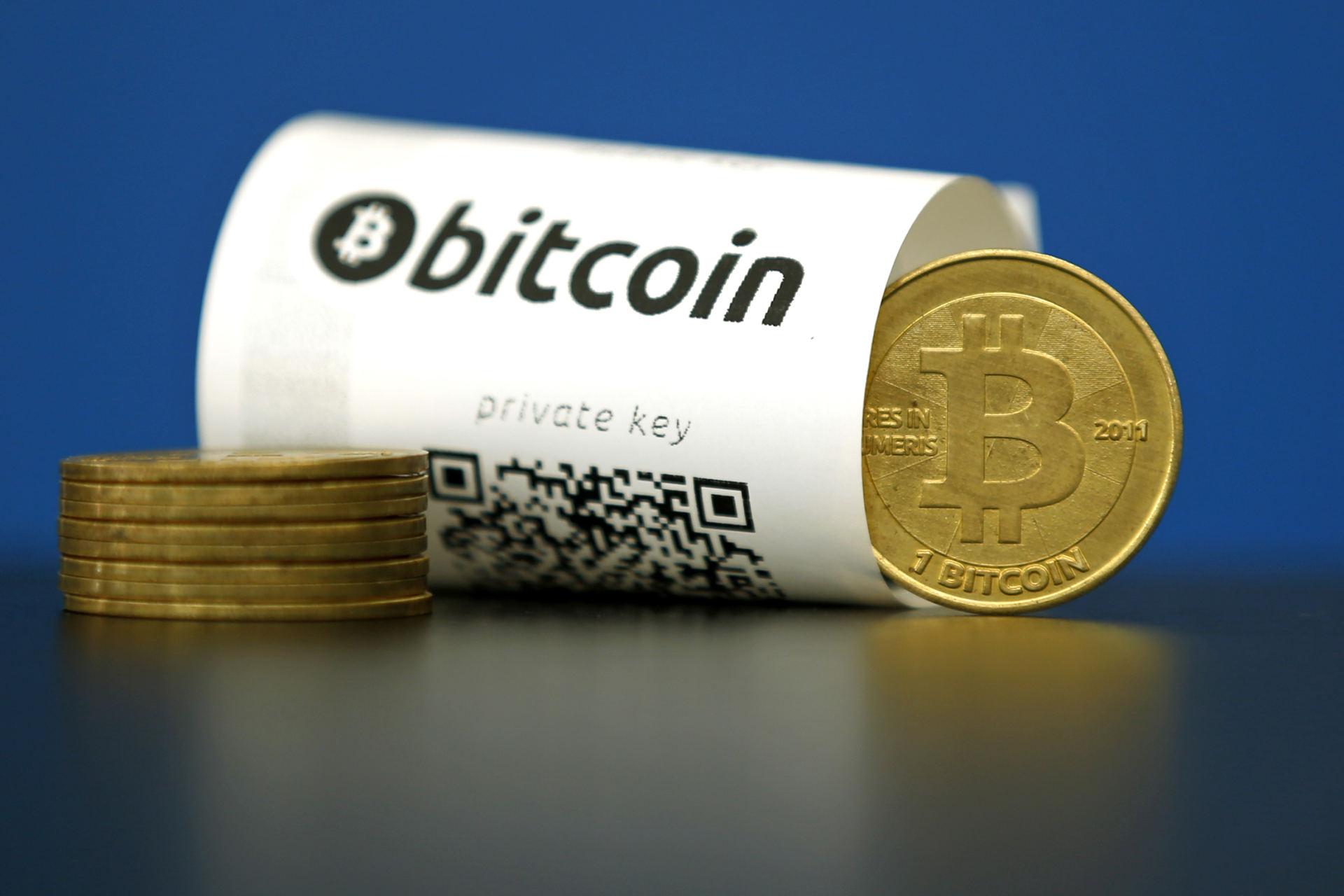 Bitcoin kursas per mėnesį. Bitkoino kursas per savaitę smuko 40 proc.