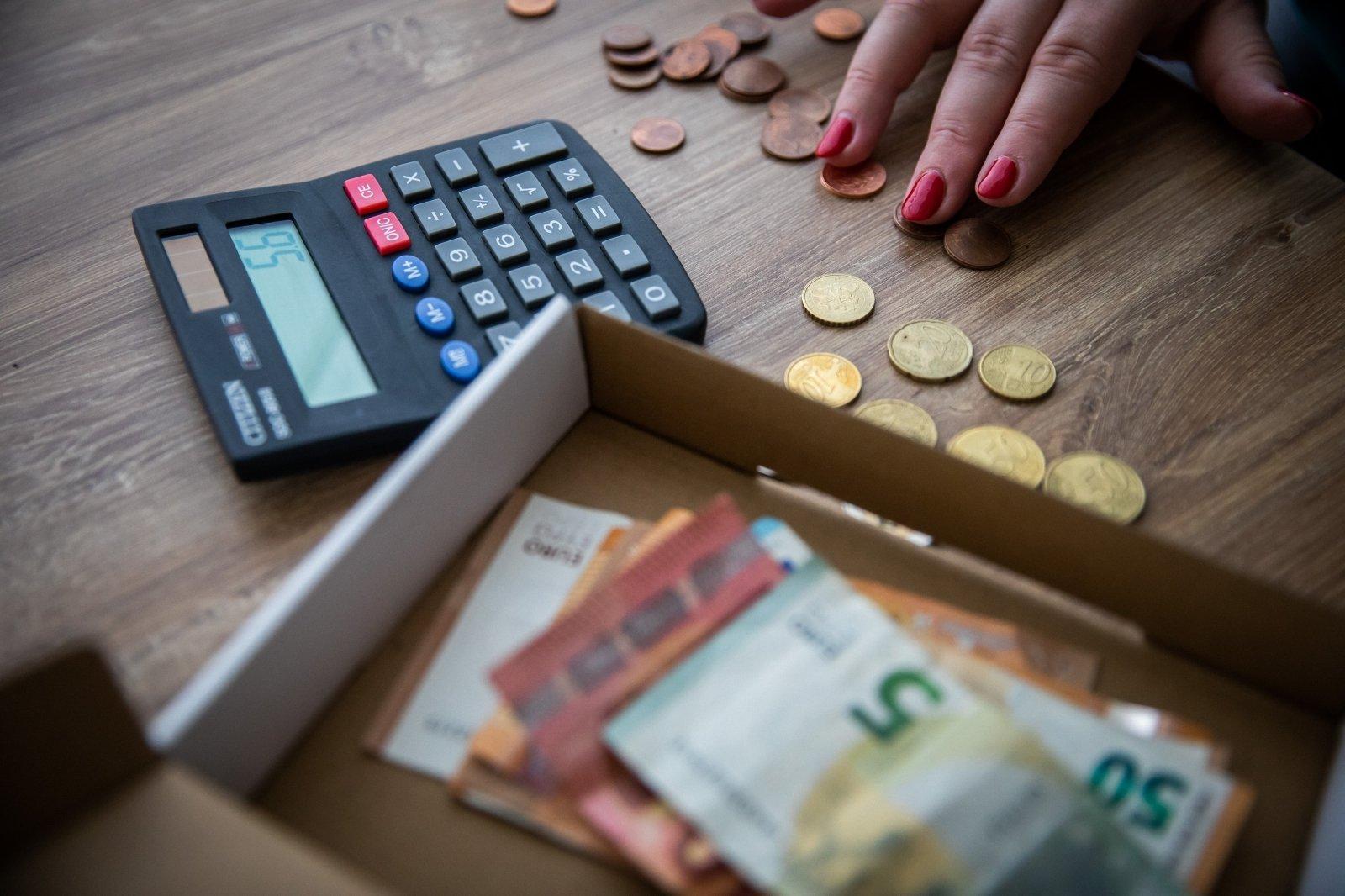 investuokite į pinigų srautus internete