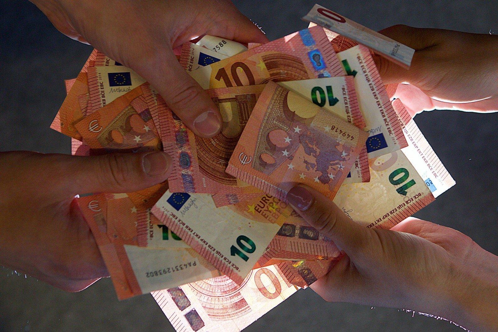 galimybė pirkti eurus