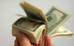 kaip užsidirbti pinigų po studijų