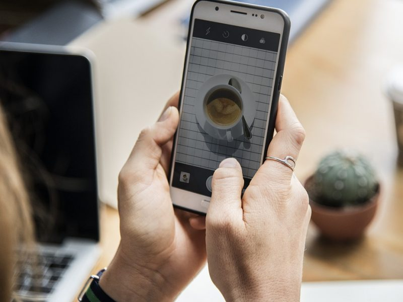 užsidirbti pinigų iš mobiliojo telefono